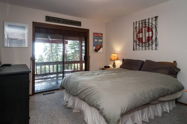 Private Room One, Beautiful House - Tahoe Vista - Hus