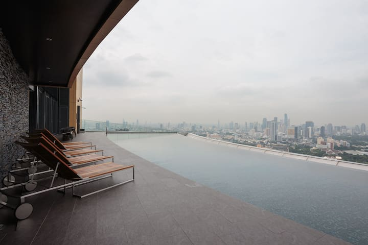 1 Bdr | Sukhumvit 24 | BTS | Sky Pool | Emquartier - Bangkok - Condominium