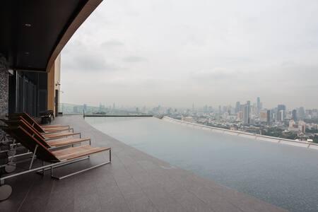 1 Bdr | Sukhumvit 24 | BTS | Sky Pool | Emquartier - Bangkok