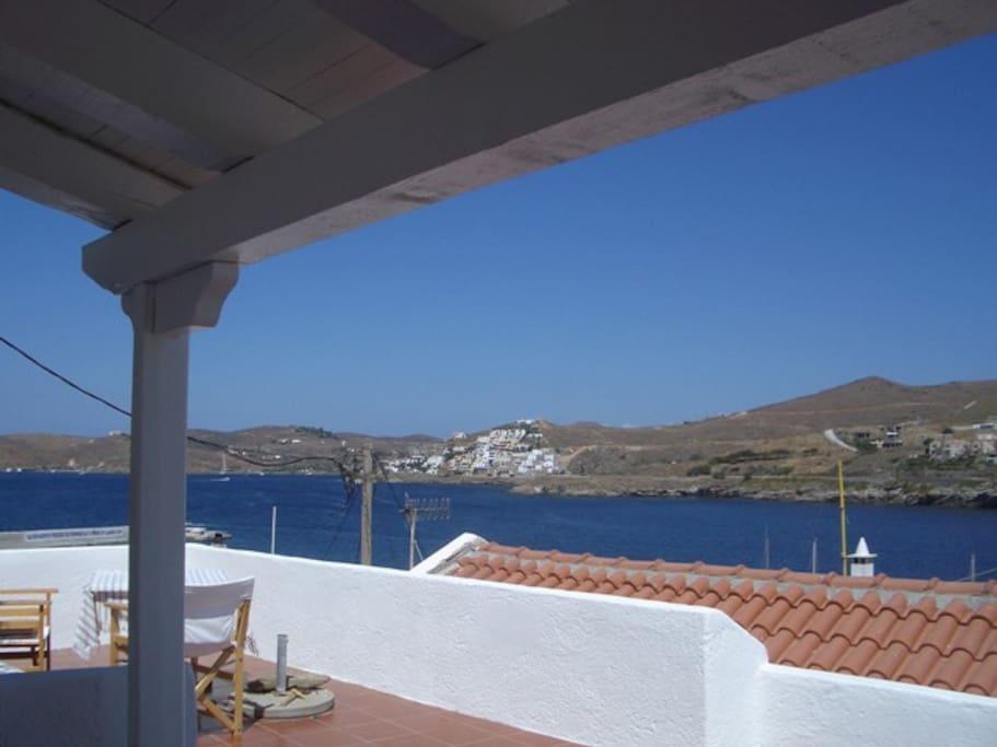 terrasse à l'avant avec vue sur la baie
