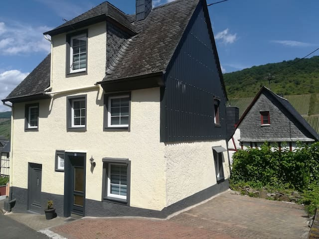 "Ferienhaus ""Selina "" in Briedel"