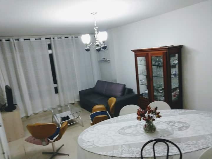 Apartamento amplo e localização estratégica