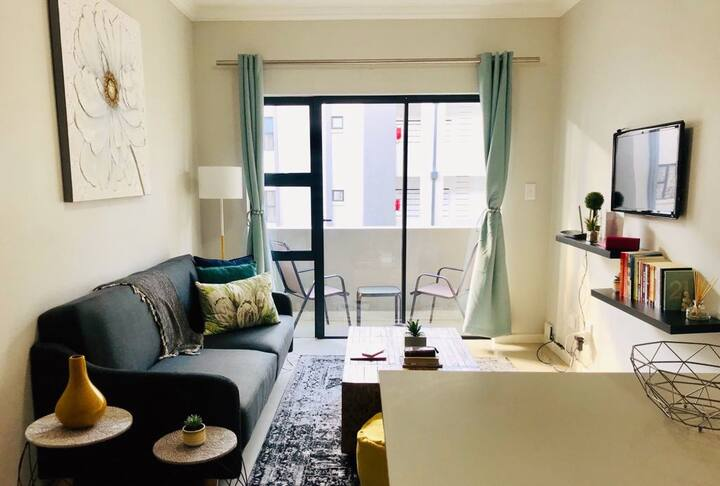 Warm Upmarket Apartment in Midrand