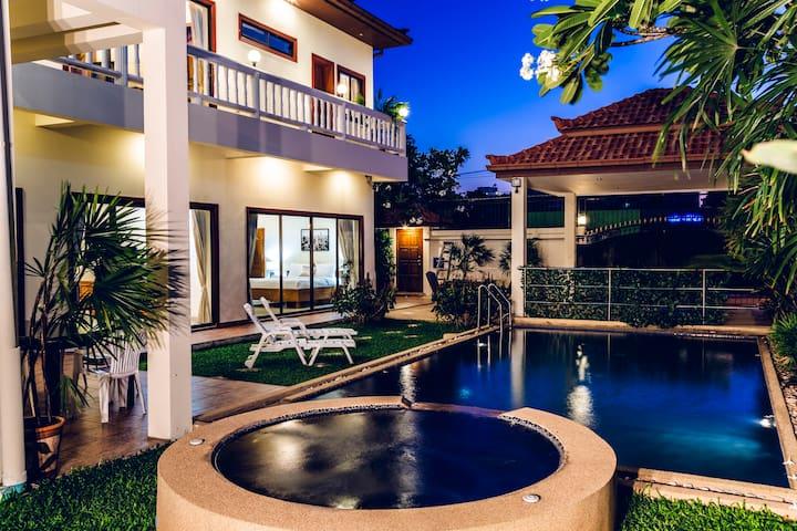Avoca Pool Villa. Private Pool & Jacuzzi. 5bdr#86
