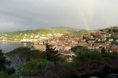 Appartamentino vista mozzafiato ampio terrazzo - Porto Santo Stefano - Apartamento