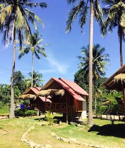 Santisuk Bungalow Koh Chang Trat - เกาะช้าง - 小平房
