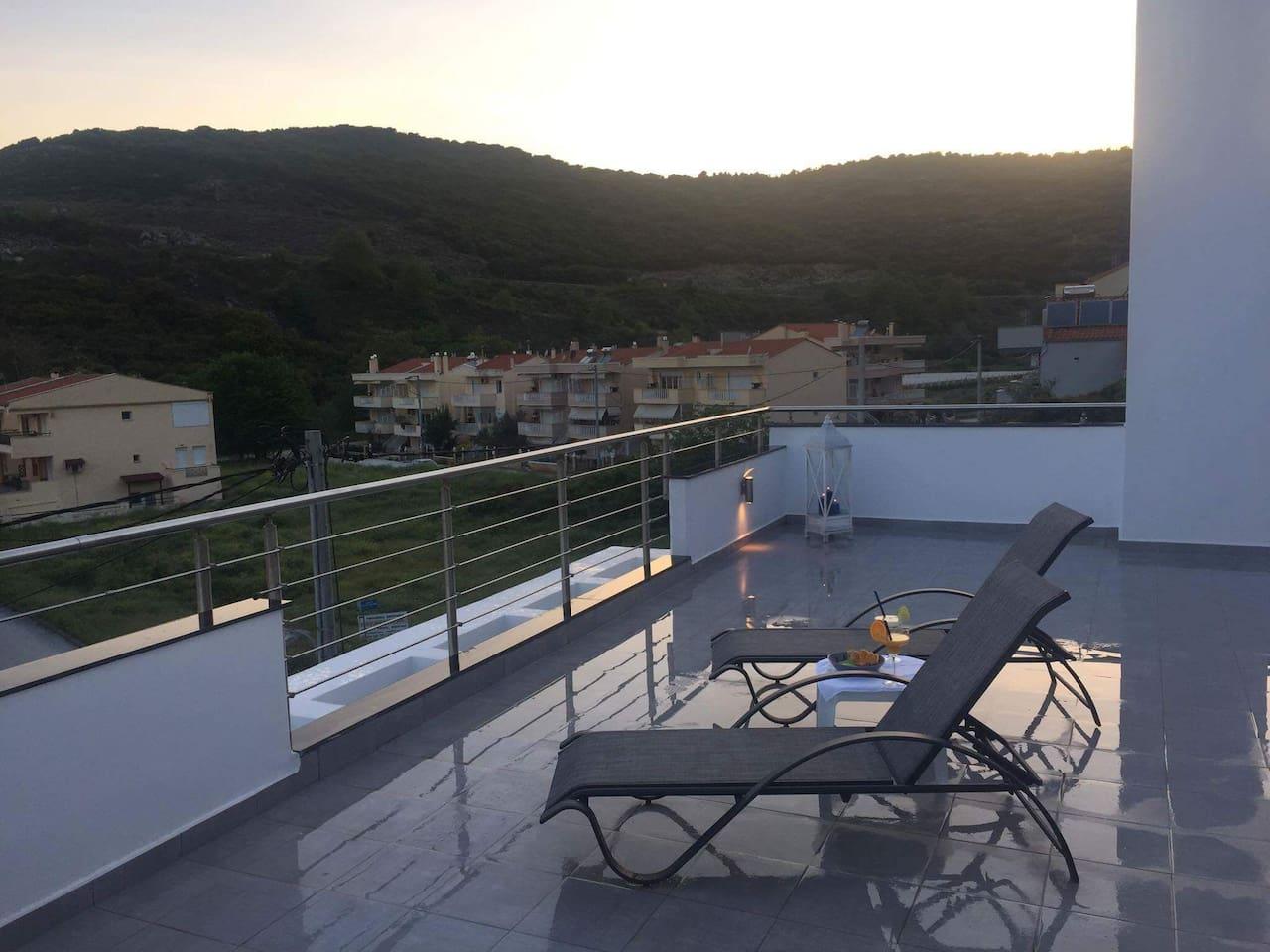 Terrasse mit Blick auf den Bergen