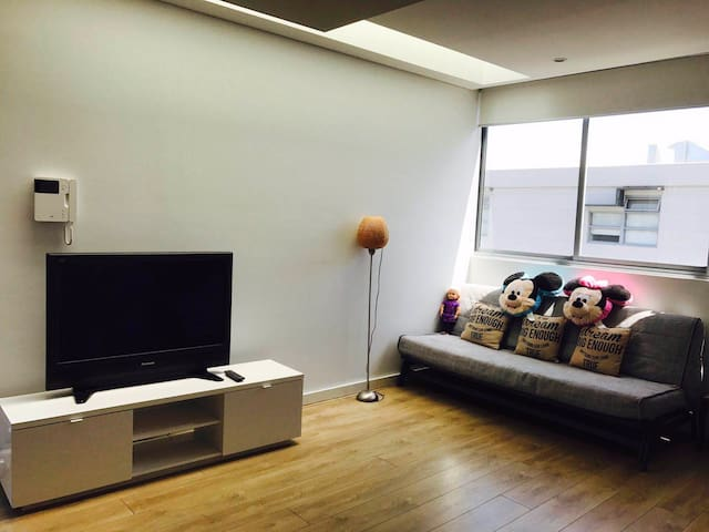 1 bedroom apartment FreeWi-Fi&two free parking欢迎光临