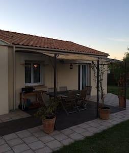 jolie maison plain pied avec jardin - Saint-Mars-de-Coutais - House - 1