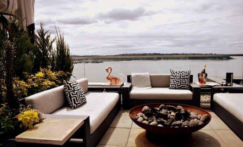 Thompson Residences- Premium Water View Residence