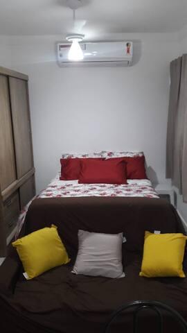 Sala living para temporada na Ponta da Praia
