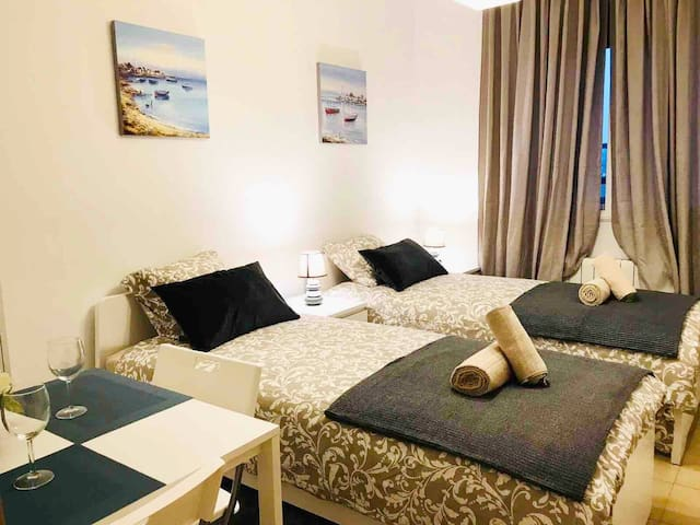 Twin Room for 2 persons in Poble Nou! Center BCN!