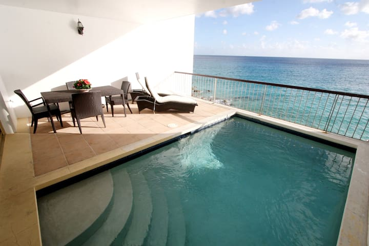 DELUXE  VILLA / PENTHOUSE W/ PRIVATE SWIMMING POOL - Lowlands - Timeshare (propriedade compartilhada)