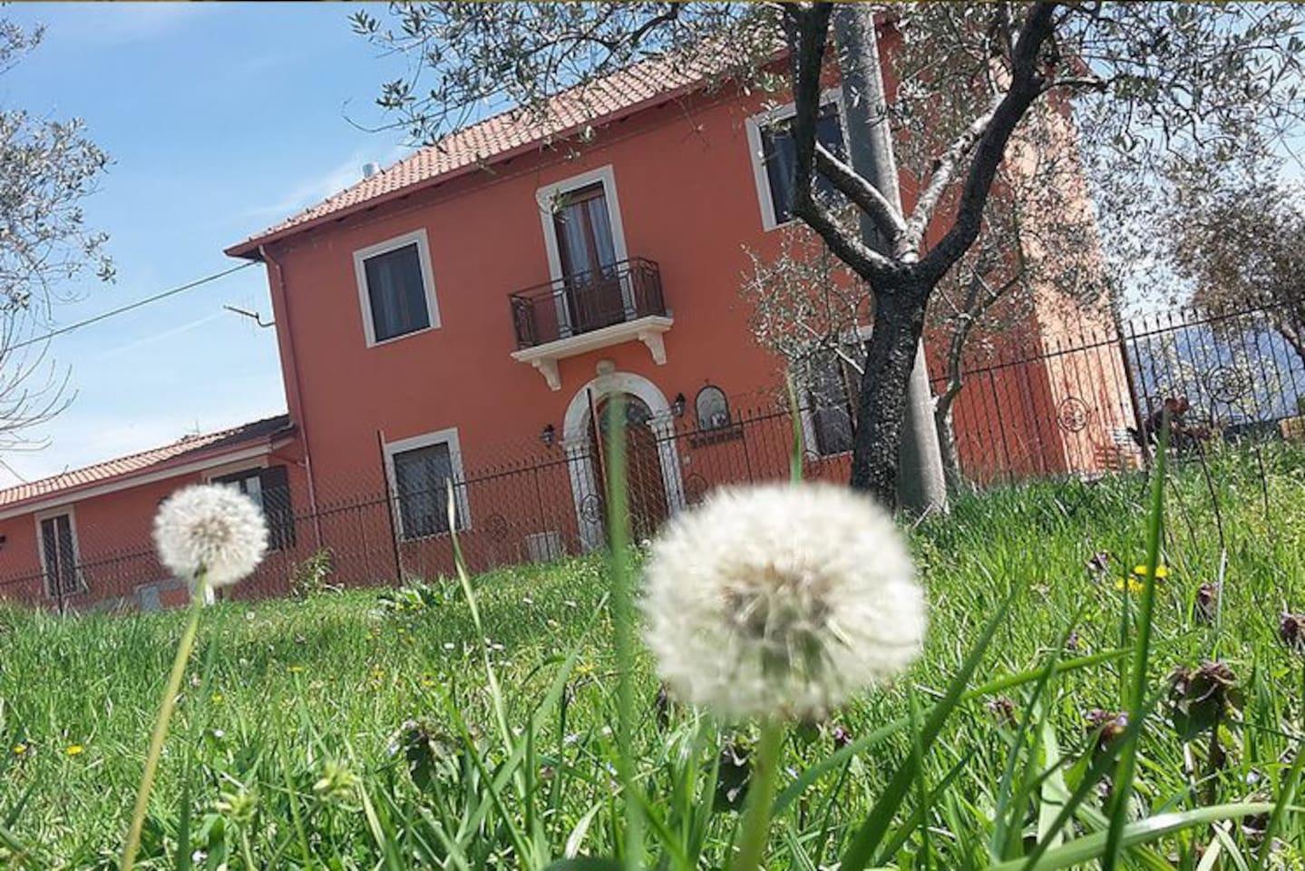 Casa di campagna con giardino