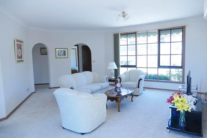 Cozy Home near Glen Waverley Shopping Centre