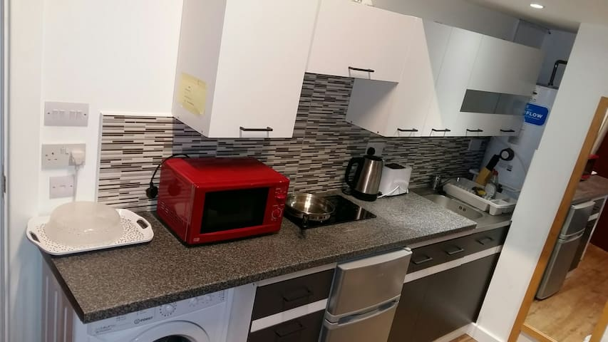 Self Contained Studio Flat, North London
