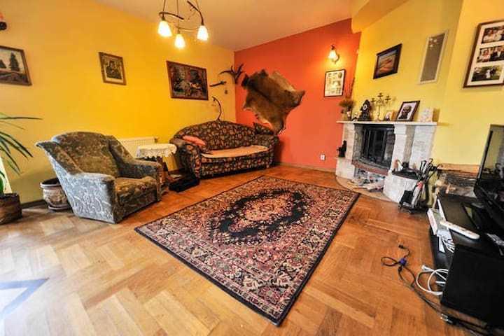 Rooms in house with garden - Warszawa - House