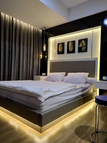 Classic Luxury 2BR Junior Apart at Tangerang City