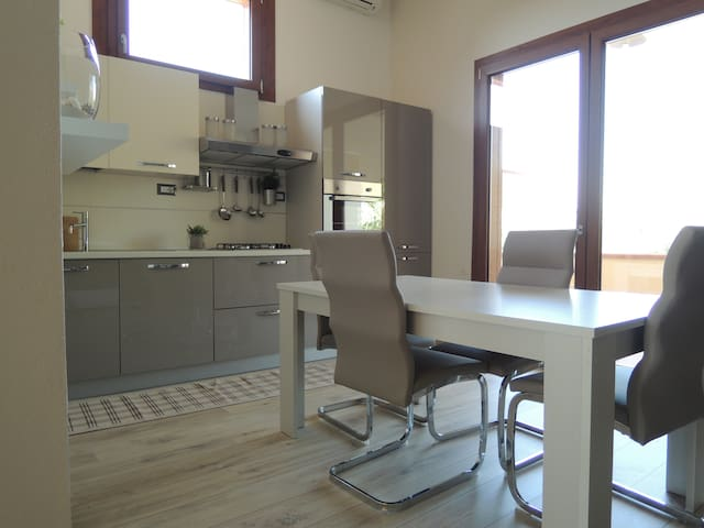 Ampio appartamento dotato di tutti i confort - Serramanna - Apartment