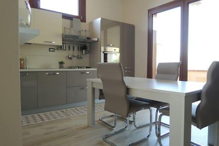 Ampio appartamento dotato di tutti i confort - Serramanna - 公寓