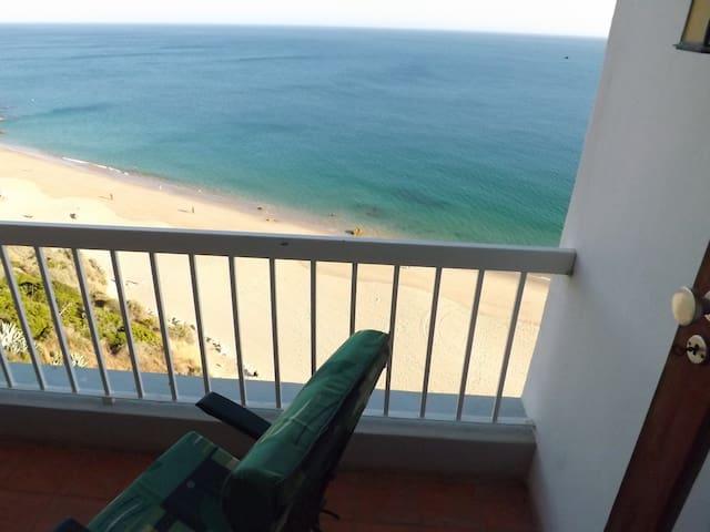 Sobre a praia - Ap + garagem - Sesimbra - Apartamento