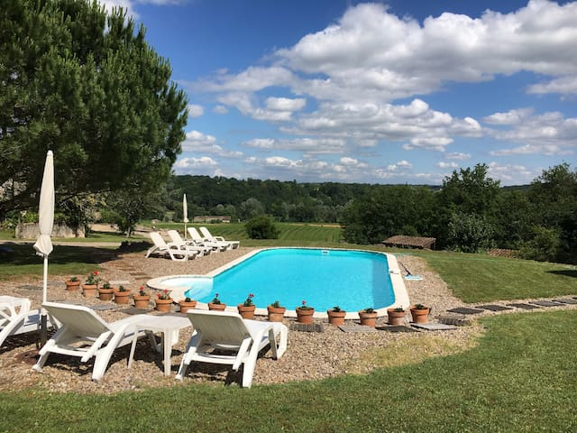 2 bedroom for 4 with pool - Coubeyrac - Appartement