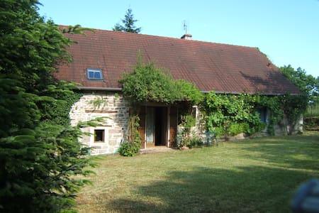 Gîte en Bourgogne sud - Sigy-le-Châtel