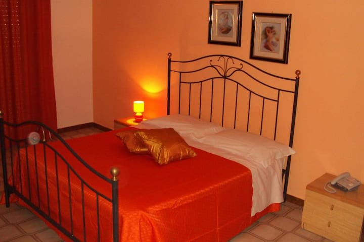 HOTEL COLLINA DEL FARO - Canicattì - Bed & Breakfast
