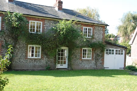 Beautiful Cottage near Goodwood - Walderton - Talo
