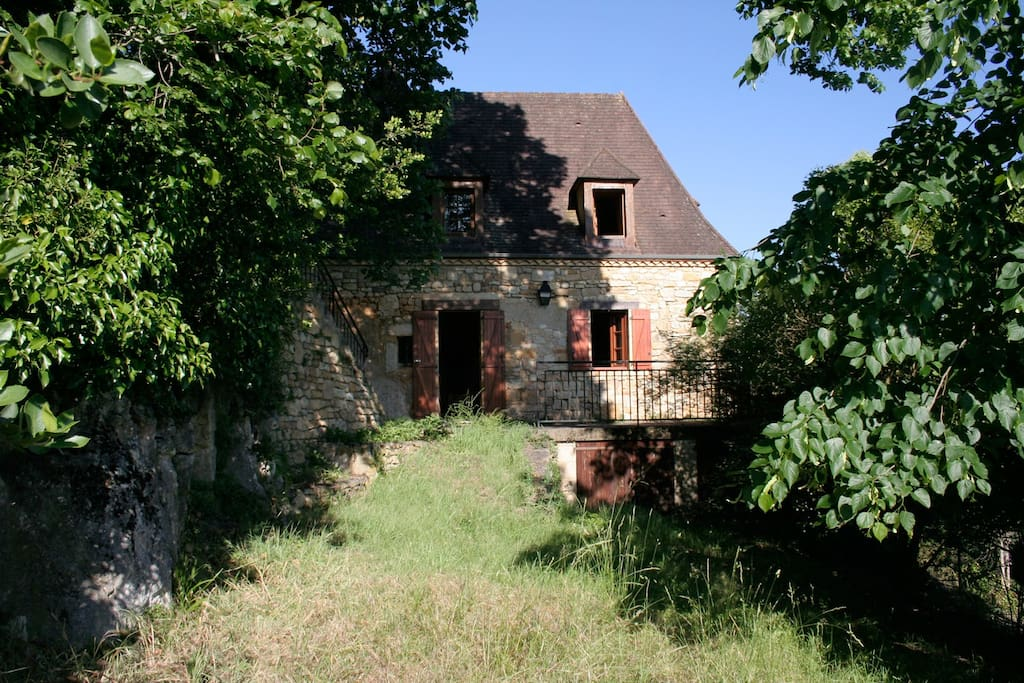 Côté ouest, terrasse et jardin