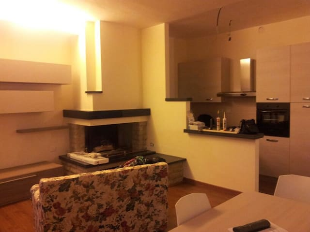 Montecastrilli - Centro Storico - Montecastrilli - Σπίτι