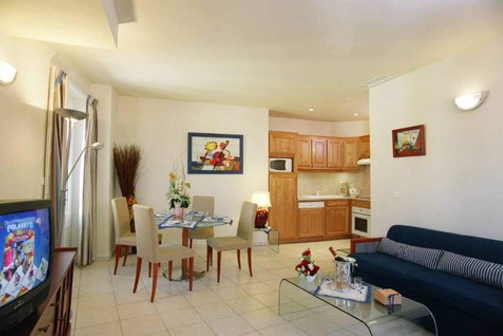 Appartement 43 Salle à manger Dining-room