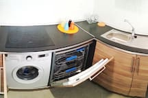 Washing machine and dishwasher