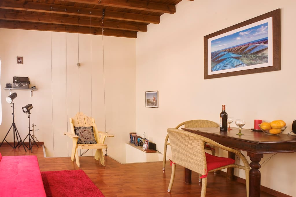 Studio Apartment, Rhodes New Town - 5 minute walk from beach and sunset