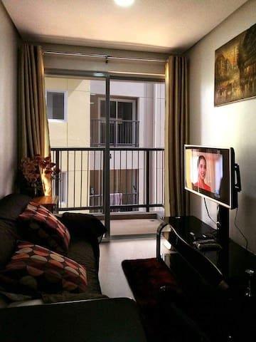 florida's condo room near slu, public market.