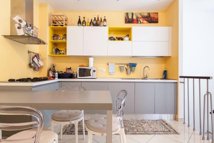 Shared kitchen, cucina condivisa