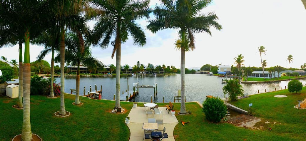 malu lani nice lg. great water view, ramp&docks - Bokeelia - Apartment