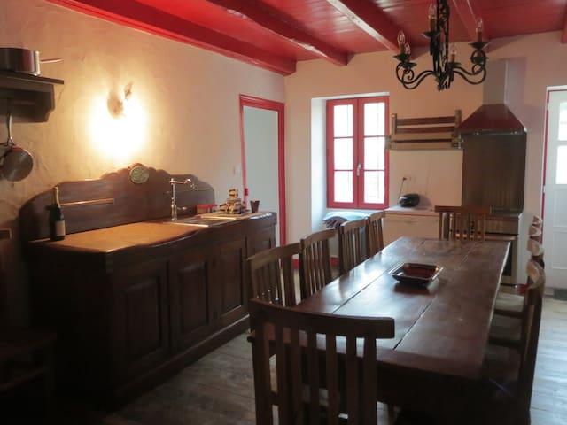 Ancienne maison de tanneur 8 pers. - Lavausseau - House