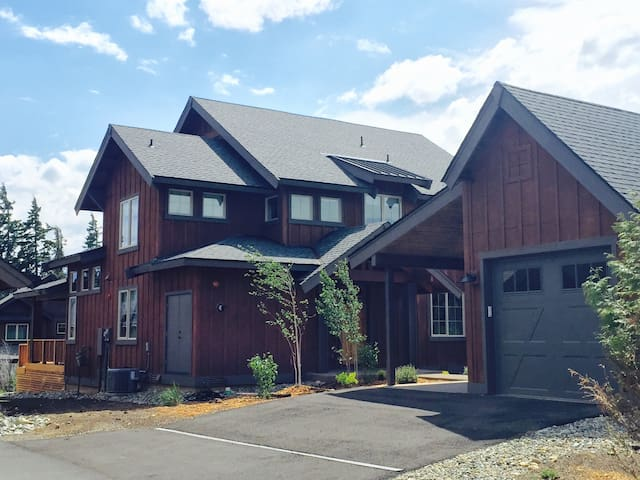 Stylish Newly Constructed Home - Cle Elum