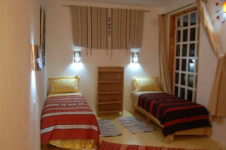 eco lodge, B&B  inside food-forest garden. - Agadir - Bed & Breakfast