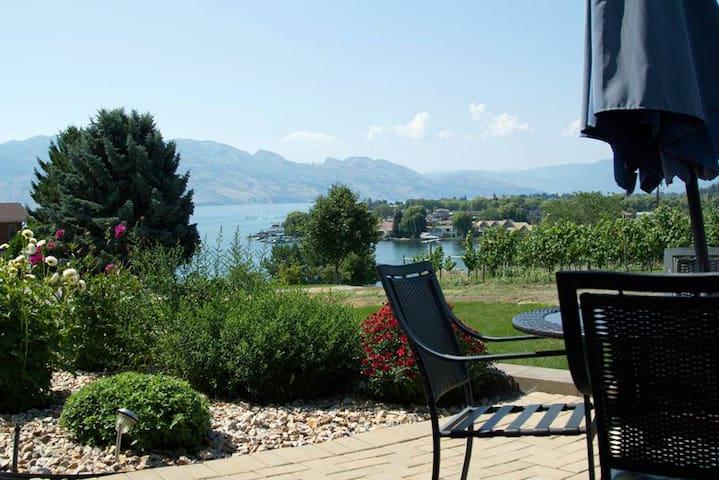 Lake, Mountains & Vineyard Serenity - West Kelowna - Wohnung