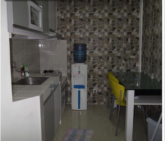 2 BR amazing clean apartment in central jakarta