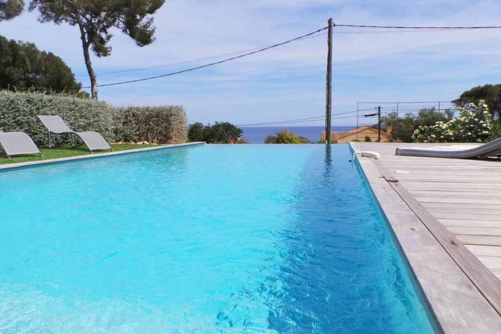 piscine à débordement 4x11 m