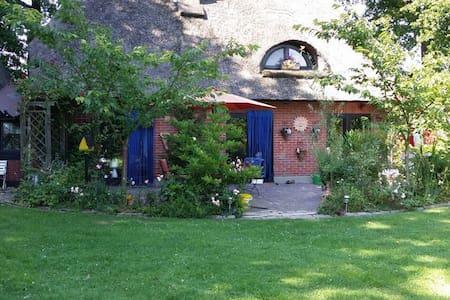 Gemütliche Friesenhausidylle unter Reet - Beverstedt - Guesthouse