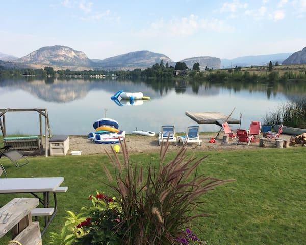Lakefront Cottage in Sunny Okangan - Oliver - Sommerhus/hytte