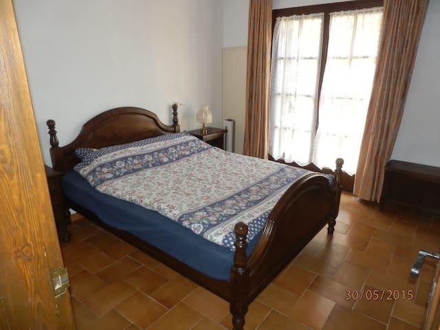 Belle chambre avec terrasse entre Mer & Montagne - Estartit - Bed & Breakfast