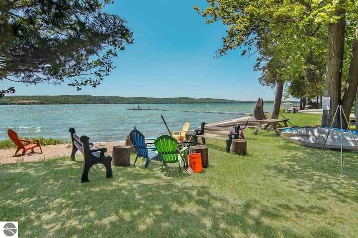 Platte Lake Resort Cabin #3 – Cedar Shack