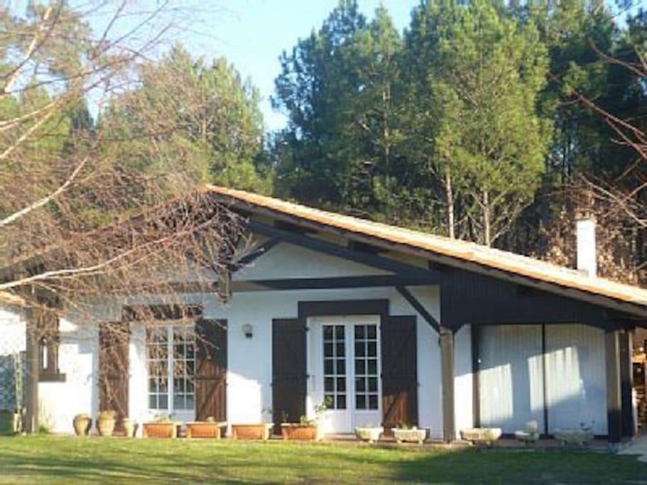 traditional Landaise villa