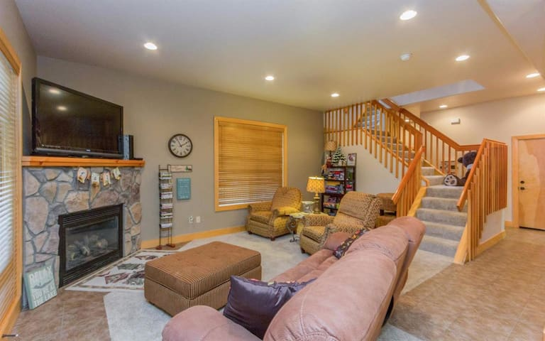 Cozy Condo in Shaver Lake - Shaver Lake - Condominium