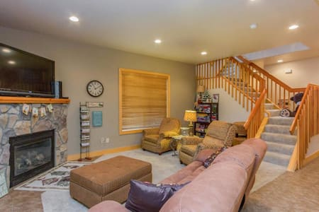 Cozy Condo in Shaver Lake - Shaver Lake